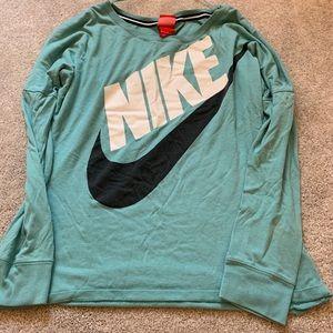 Nike oversize shirt